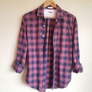 levi's plaid long sleeve buttondown shirt size M